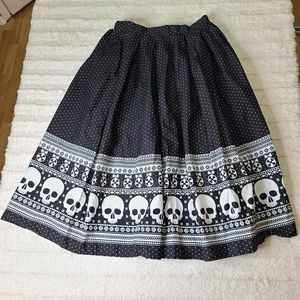 NWOT Hell Bunny Black and White Clara Skull Skirt